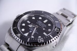 Expert Tips And Guidance To Make Money Selling Watches Online